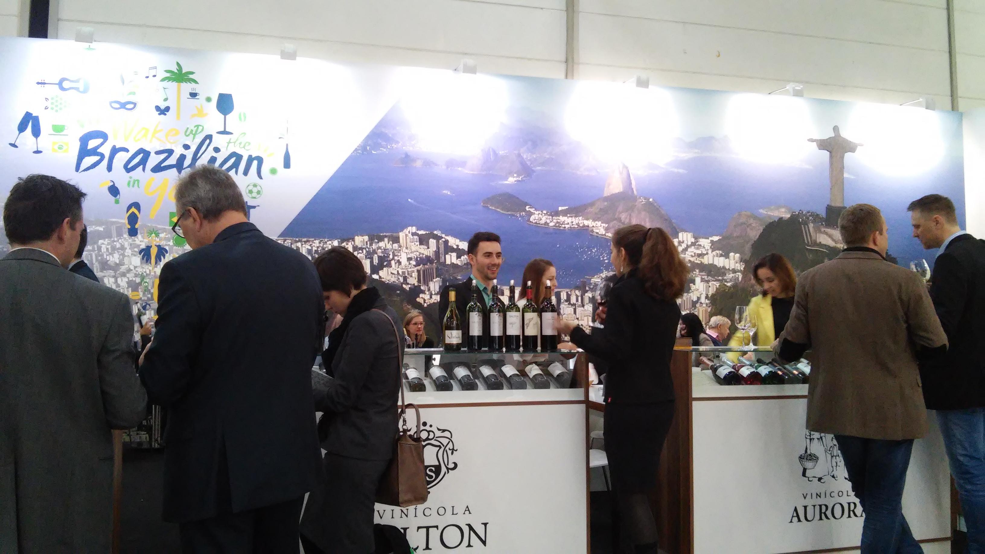 Estande_do_Wines_of_Brasil_na_ProWein_2015._Foto_Monica_Tartaro,_Ibravin