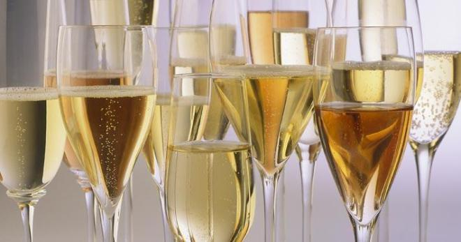 Champagne-flutes_2