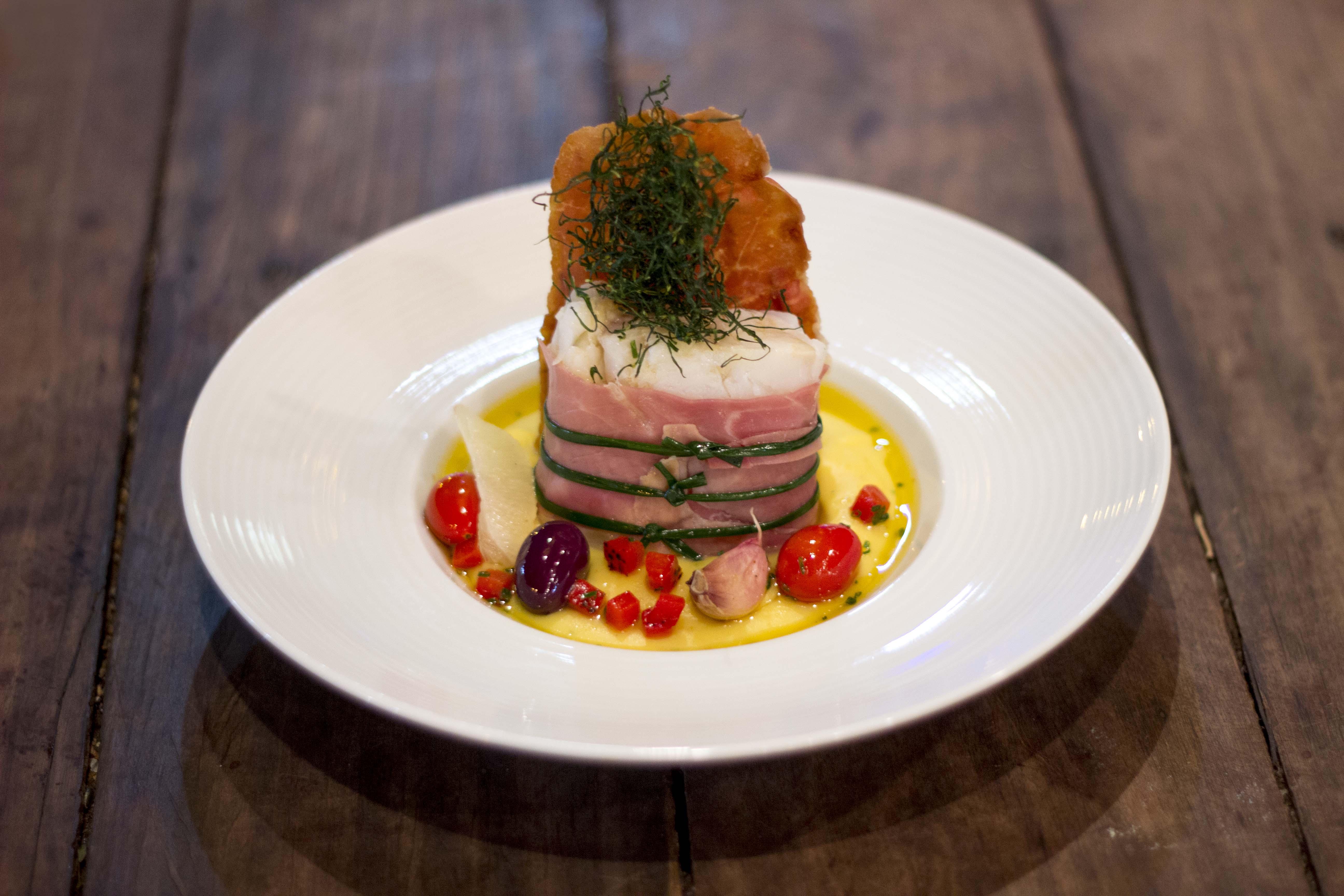 Bacalhau do Lulu - Prato Comemorativo de 18 anos Universal Diner - Boa Lembrança - Foto de Daniel Zukko-1 (2).jpg
