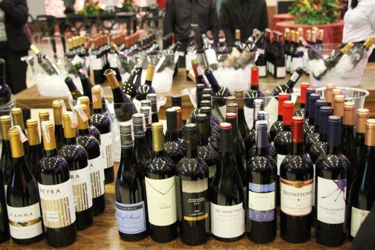Vinhos de diversos rótulos, do velho e novo mundo, foram degustados por cerca de 1200 pessoas - crédito César Rebouças.jpg