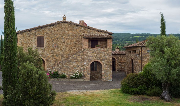 Piccini-Villa-Cortile-veduta.jpg