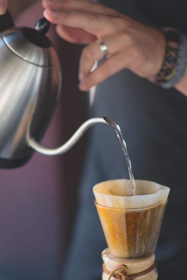 Cafe Cristina Metodo Chemex- cred amanda ourofino.jpg