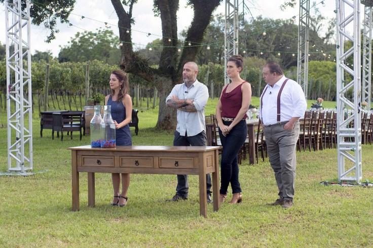 Ana Paula Padrão, Henrique Fogaça, Paola Carosella e Erick Jacquin - Crédito Carlos Reinis, Band (1).jpg