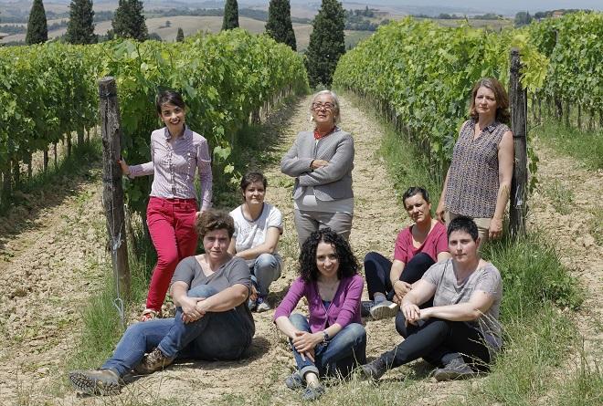 Donatella-Cinelli-Colombini-con-la-figlia-Violante-Gardini-e-le-Donne-della-fattoria-Casato-Prime-Donne-di-Montalcino-e-il-Colle-di-Trequanda-9.jpg