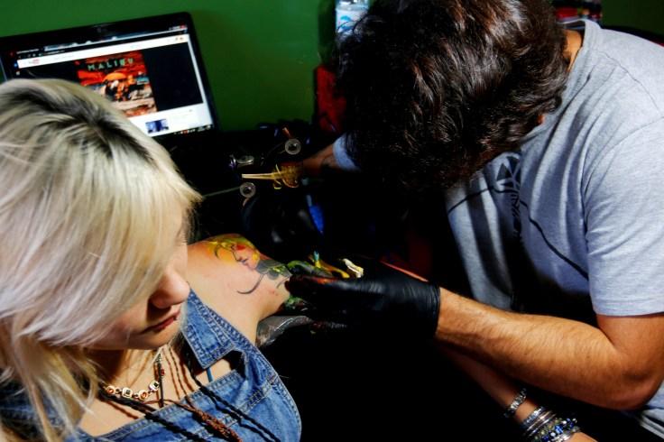 Bras.ilha Arte Tattoo Hamburgeria foto 12 Paula Pratini - Cópia.jpg