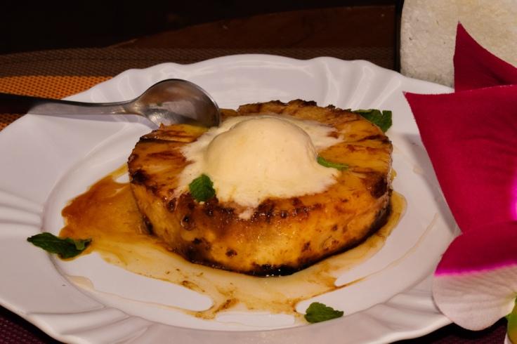 abacaxi na manteiga e caldo de capim santo.JPG
