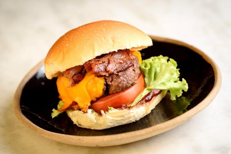 Burger Belini Café.jpg