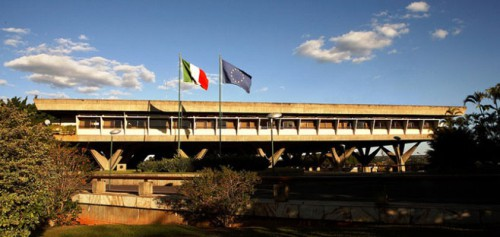 embaixada-italiana-brasilia.jpg