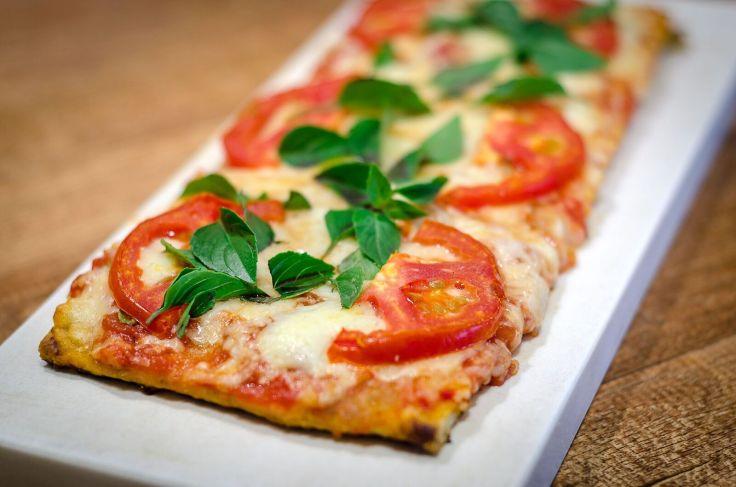 Pizza marguerita_Piccolo Emporium_Foto de Gustavo Gracindo.jpg