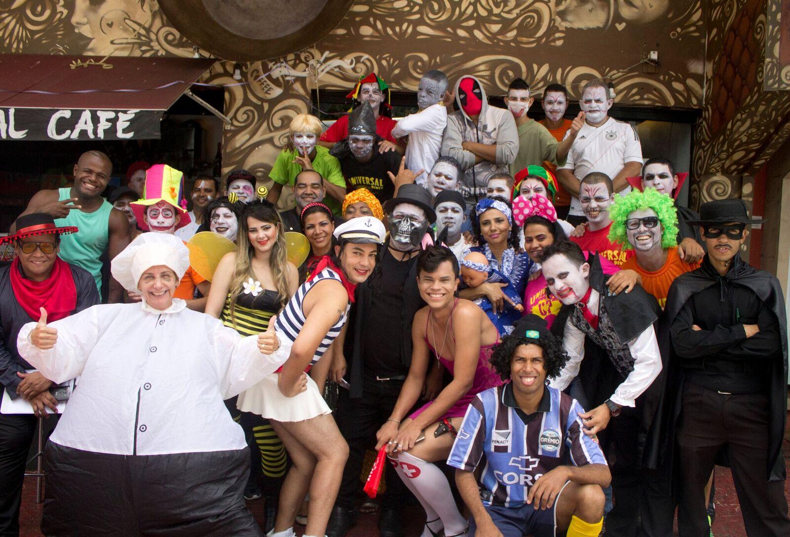 Chef Mara Alcamim e equipe do Restaurante Universal - Bailinho de Carnaval do Universal - Crédito da foto_ Julia Costa e Victor Vec_preview.jpeg