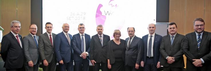 Autoridades e empresários do segmento marcaram presença no evento.jpg
