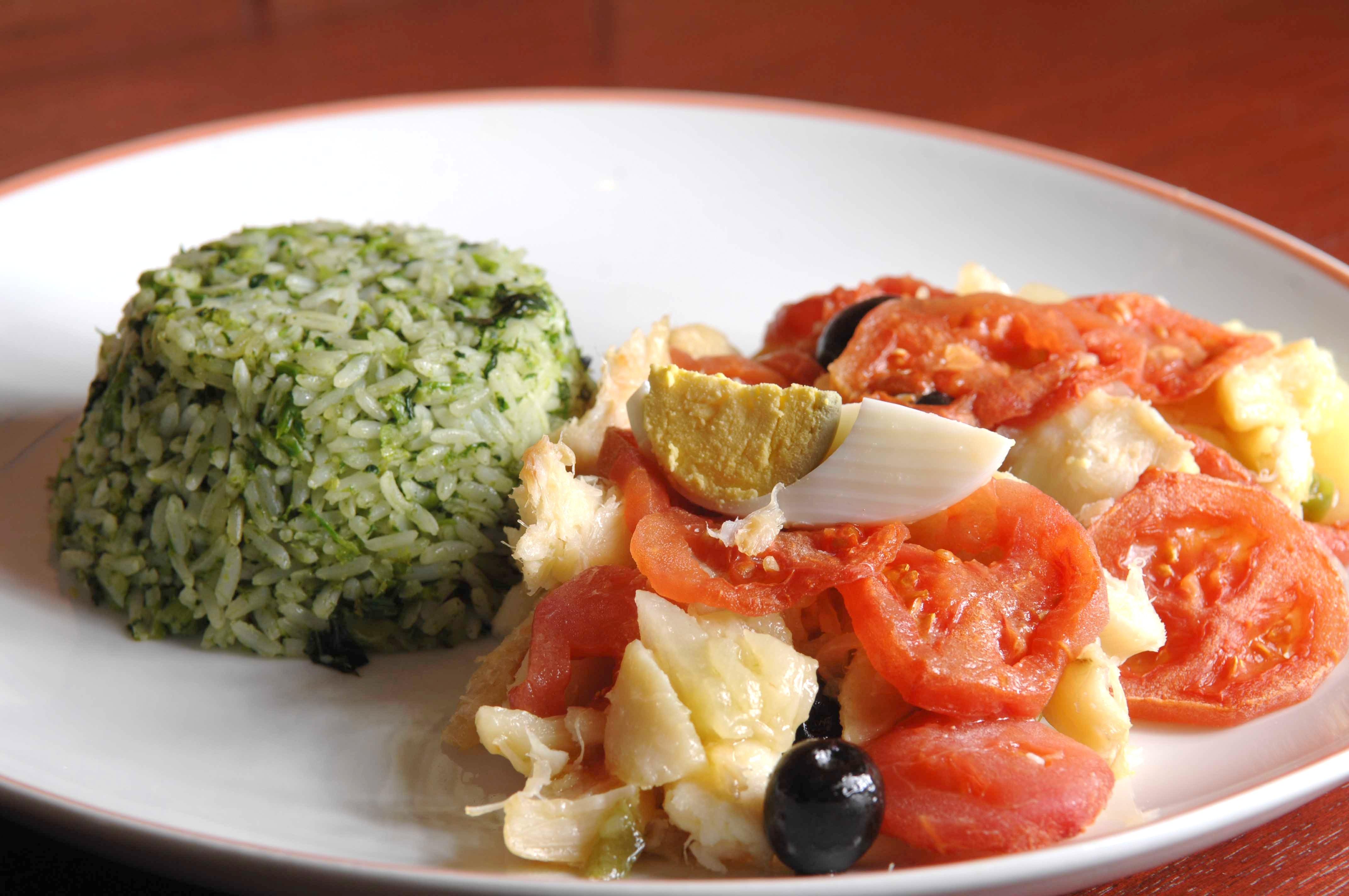 Bacalhau ao forno com arroz de brócolis (foto de Keka Azous).JPG